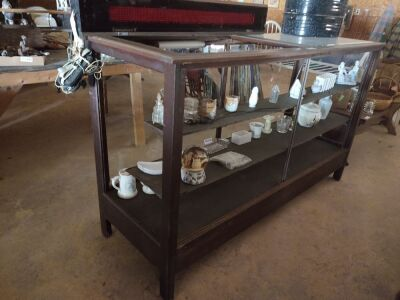 Display Case; 72x24x42