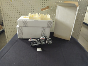 "HARLEY-DAVIDSON DIE-CAST REPLICA, ""1971 FX SUPERGLIDE"" BY THE FRANKLIN MINT"