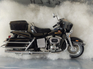 "HARLEY-DAVIDSON DIE-CAST REPLICA, ""1976 FLH"" BY THE FRANKLIN MINT"