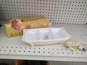 VINTAGE GE HEATED BABY FOOD DISH WITH ORIGINAL BOX