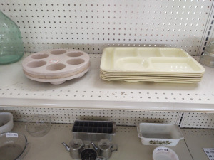 CAFETERIA LUNCH TRAYS & CERAMIC MUFFIN PAN