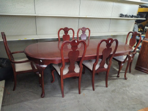 FORMAL DINING TABLE WITH (2) CAPTAIN'S CHAIRS & (4) CHAIRS