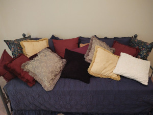ASSORTMENT OF THROW PILLOWS