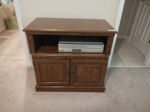 "WOODEN MEDIA CONSOLE WITH DVD/VHS PLAYER BY PHILLIPS (31"" X 17"" X 29"")"