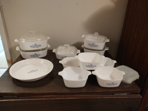 VINTAGE BLUE CORN FLOWER COVERED & COVERED CASSEROLE BOWLS & MATCHING PLATTER