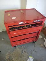 CRAFTSMAN ROLLING TOOLBOX WITH TOOLS