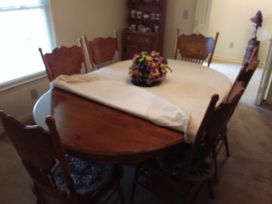 Dining Table With (6) Beautiful Wood Chairs
