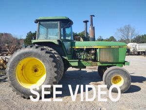 4840 JOHN DEERE DUAL WHEEL TRACTOR S#4840P 003484R, SHOWING 8137HRS