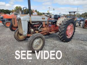 Ford 600 Tractor.  See video below.