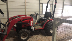 2017 Mahindra 26XL Max Shuttle Tractor With Front Bucket & Hay Fork, 50 hrs; SN 5K7178