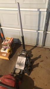 Mechanic's 3-Ton Hydraulic Floor Jack & 3-Ton Jack Stands