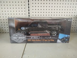Ertl Collectibles Limited Edition 2001 Harley-Davidson F-150 Super Crew Pickup Die-Cast Model, NIB