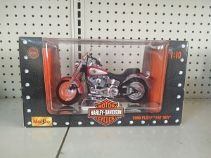 Maisto Harley-Davidson 1999 FLSTF Fat Boy 1:10 Die-Cast Model, NIB