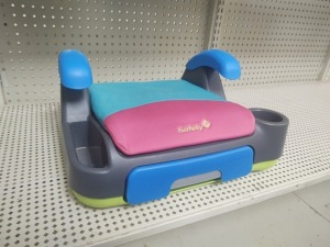 Store 'N Go Booster Seat, Multi-Colored