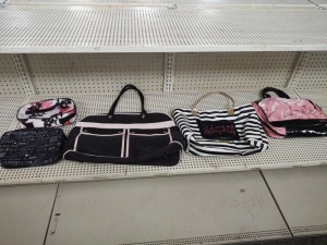 Assortment Of Mary Kay Purses & Makeup Cases