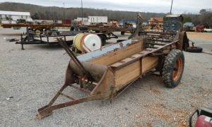 MC CORMICK MANURE SPREADER, AMISH RESTORED