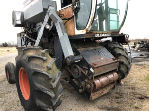 ALLIS-CHALMERS GLEANER F2 COMBINE WITH CORN HEAD & GRAIN HEAD.  (RUNS).  LOCATED OFF SITE IN DANVILLE, AL.  CONTACT ANDREW HEARD @ (931)638-5499 FOR MORE INFORMATION