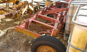 11-SHANK FIELD CULTIVATOR; LOCATED OFF SITE: NEW MARKET, AL.  CALL ANDREW HEARD @ (931) 638-5499 FOR MORE INFORMATION.