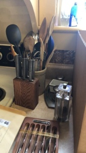 Kitchen items; knives, utensils