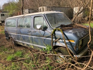 1982 Ford Club Wagon, blue.  Bill Of Sale Only. VIN# 1FMEE11Y7DHA50964