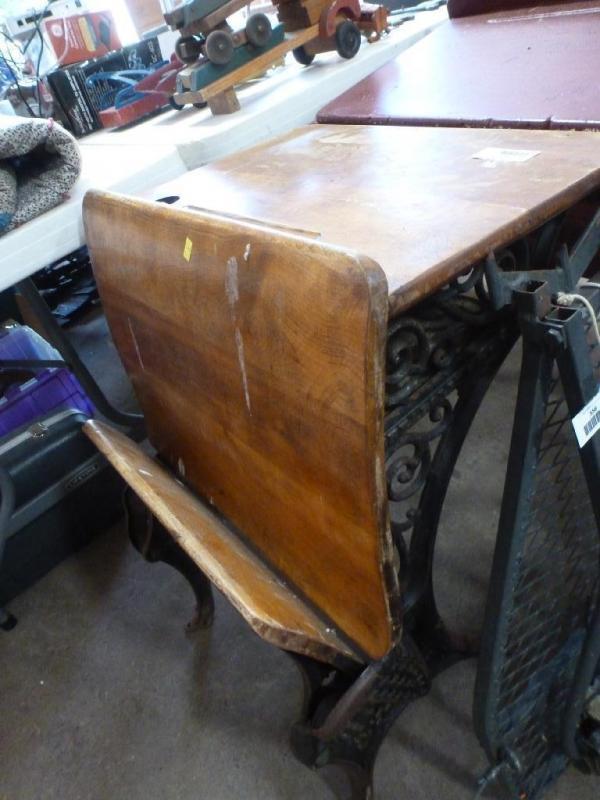Antique Minneapolis O & S F. Co. ornate cast iron base school desk, 22