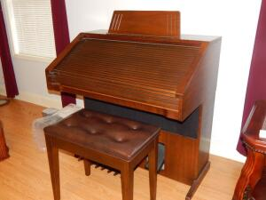 Lowrey Parade Organ with tufted stool