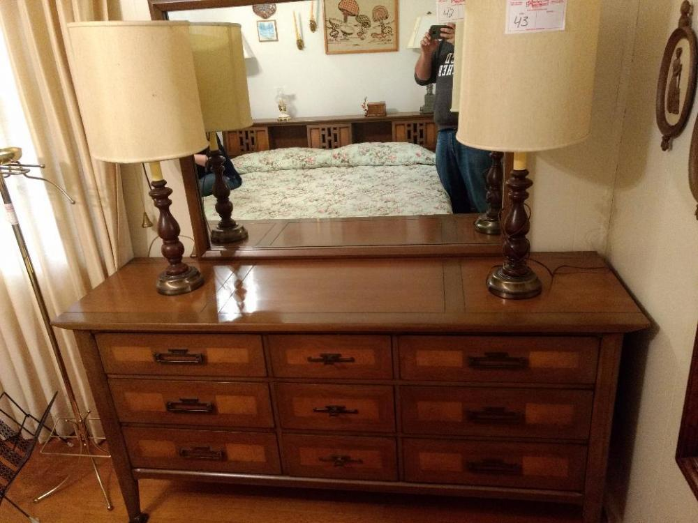 Lot 42 Of 219: 9 Drawer Dresser By White Fine Furniture Company, Mebane, NC